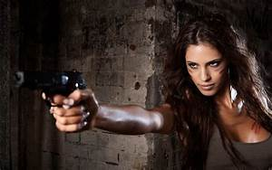 Girls with Guns Wallpaper (56+ images)