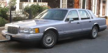 1993 LINCOLN TOWN CAR - Image #3