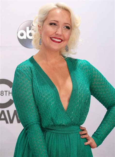 meghan linsey meghan linsey picture 16 48th annual cma awards red carpet