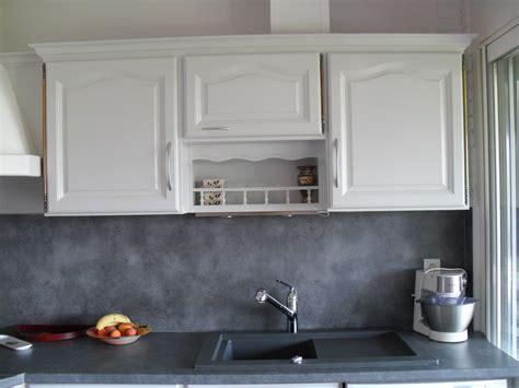 peinture carrelage cuisine plan de travail repeindre carrelage salle de bain les 3 erreurs à éviter