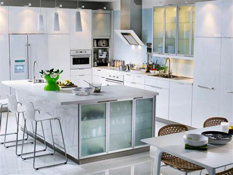 white kitchen cabinets ikea litt mer kj 248 kken mellom bakker og berg 1354