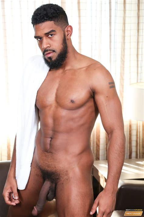 Hung Porn Star Xl Let His Beard Grow
