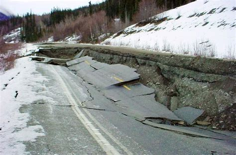 alaska earthquake  magnitude quake felt  state