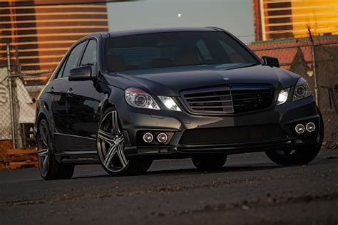 Mercedes E-klasse Wald Black Bison Edition