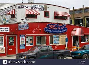 Mo's seafood restaurant in Old Town Florence Oregon Stock Photo - Alamy
