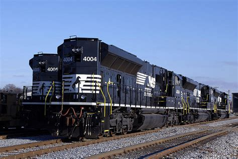 CRO - http://www.canadianrailwayobservations.com - South ...