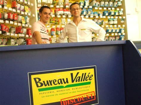 bureau vallee plaisir laurent desmier 2008 et 2009 parcequ il le bureau vallée