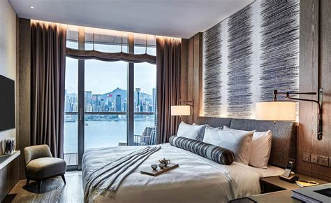 artus opens  hong kong wallpaper