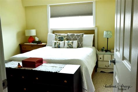 simple ways  organize  small master bedroom harbour