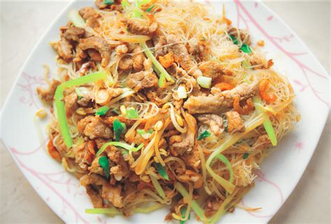 taiwanese pan fried rice noodles  pork  vegetables