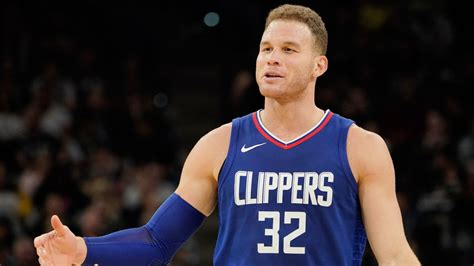 Los Angeles Clippers trade Blake Griffin to Detroit ...