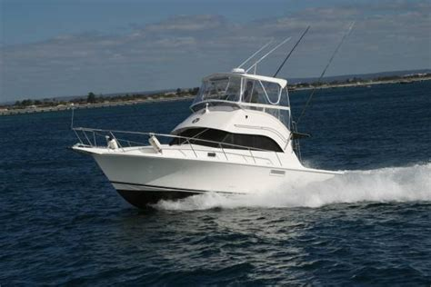 Boat Service Mansfield by New Caribbean 32 Flybridge Cruiser For Sale Mansfield Marine