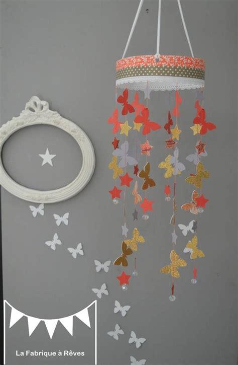 mobile suspension papillon 233 toiles gris corail dor 233 abriot p 234 che d 233 coration chambre b 233 b 233