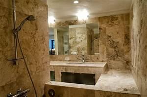 salle de bain travertin la beaute de la pierre de tivoli With salle de bain en pierre naturelle