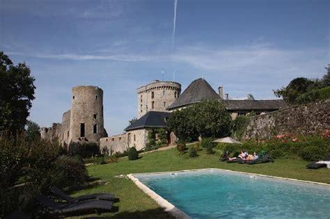 chambres d hotes pessac entree du château photo de chateau de la flocelliere la