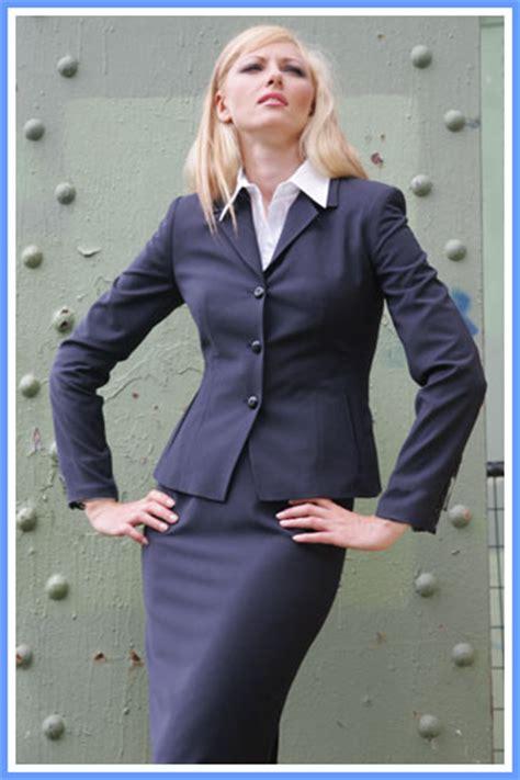 shirt unter blazer tops to wear a suit jacket