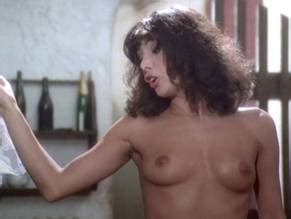 Holmes nackt Carla  Drew Barrymore