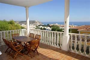 Balkon fliesen streichen die besten tipps for Balkon teppich mit tapete zum streichen