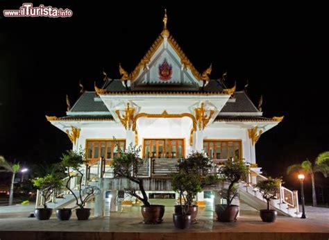 templi buddisti sono il simbolo  phuket thailandia
