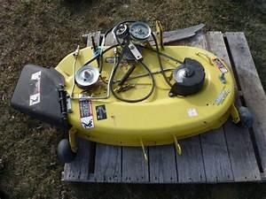 John Deere The Edge Xtra Cutting System 42 U0026quot  Mower Deck Off