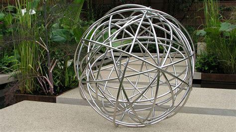 20 smartly designed modern spherical garden sculptures