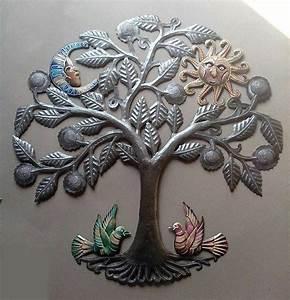 Arbre De Vie Decoration Murale : le m tal de l 39 arbre de la vie avec des oiseaux le soleil et la lune le travail du m tal en ~ Teatrodelosmanantiales.com Idées de Décoration
