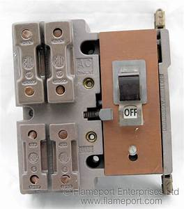 Bill Crown 4 Way Brown Plastic Fuse Box