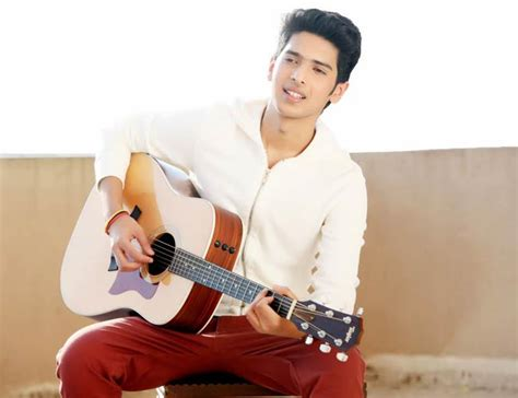 Armaan Sways Hearts With Live Performance Of 'tum Jo Mile