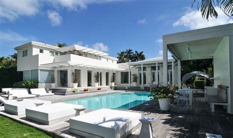 d 233 couvrez la somptueuse maison de shakira en vente 224 miami maison design