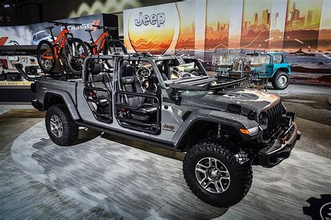 Lift Kit For 2020 Jeep Gladiator by 2020 Jeep Gladiator Weaponized By Mopar In Los Angeles