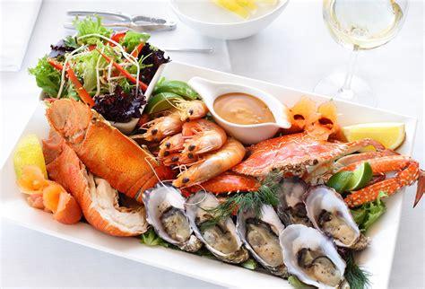 where to get fresh seafood restaurant caloundra alfie s mooo char bar