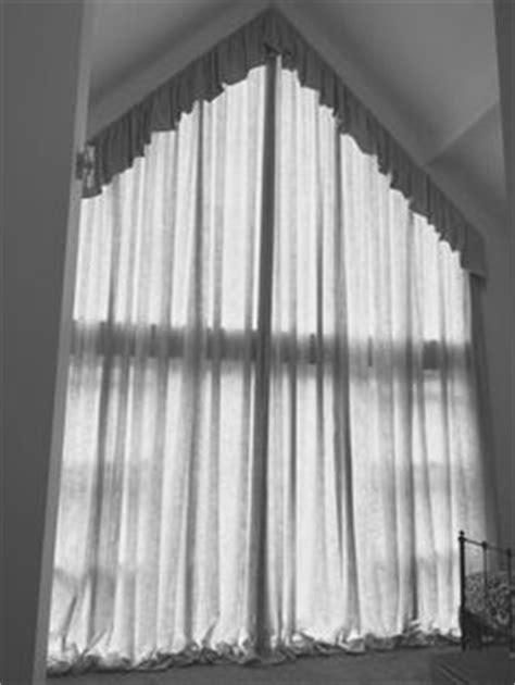 gordijn voor schuine wand | gang | Pinterest - Curtains