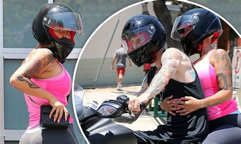 amber rose displays famous derriere   boyfriend