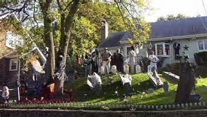 Halloween Cubicle Decorating Ideas by 13 Halloween Front Yard Decoration Ideas