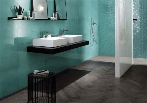 chambre noir et gris salle de bains 15 sols qui font la différence