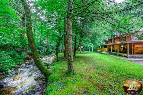 creek cabin rentals norton creek hideaway gatlinburg tennessee cabin rental