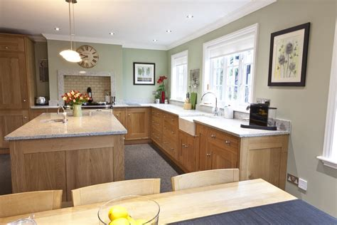 the best paint for light oak cabinets in kitchen with paint colour like benjamin