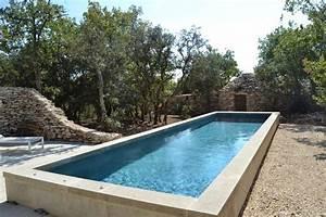 Piscines Semi Enterrées : piscine semi enterr e en b tons avantages et inconv nients ~ Dallasstarsshop.com Idées de Décoration