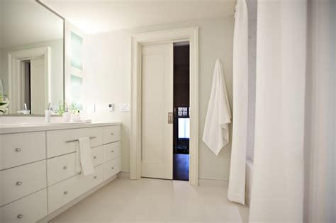 pocket doors modern bathroom toronto    crowder