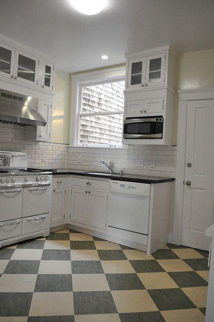 checkerboard kitchen floor 137 best marmoleum tile patterns images on 2130