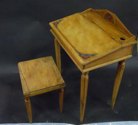 travail 1900 bureau d 233 colier et tabouret en bois