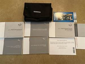 2015 Nissan Pathfinder Owners Manual Set W   Case And
