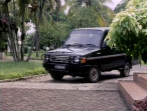 imcdb org 1987 toyota kijang rover kf42 in quot warriors 1993 quot