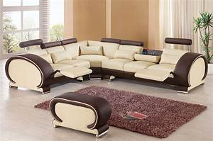 Living room furniture decorated rooms contemporary for Sectional sofa at rooms to go