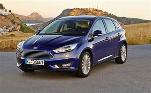 Dimension Ford Focus 3 : 2016 ford focus pricing and specifications photos caradvice ~ Medecine-chirurgie-esthetiques.com Avis de Voitures