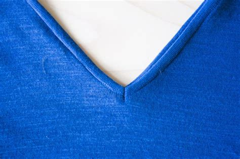 How to sew a knit neck binding hello my loves, today is the second installment of this cute. HOW TO SEW KNIT BINDING ON A V OR MITERED NECKLINE ...