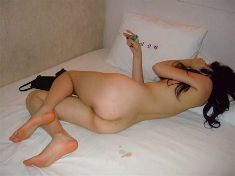 Chain Smoker But Really Beautiful And Super Cute Korean Girlfriend's Wonderful Hairy Pussy And