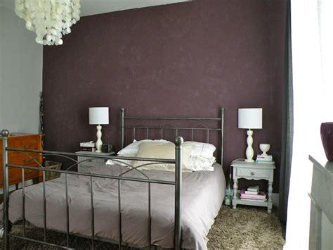 chambre aubergine et blanc déco chambre taupe aubergine