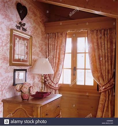 Matching Curtains Window Chalet Wallpapersafari Alamy Traditional