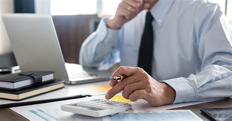 5 Benefits of Hiring an Accounting Professional